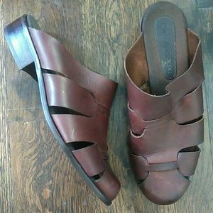 Enzo Angiolini brown leather Netfield mules